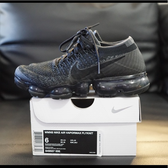 first rate c25f6 97004 Nike Air VaporMax Triple Black 2.0